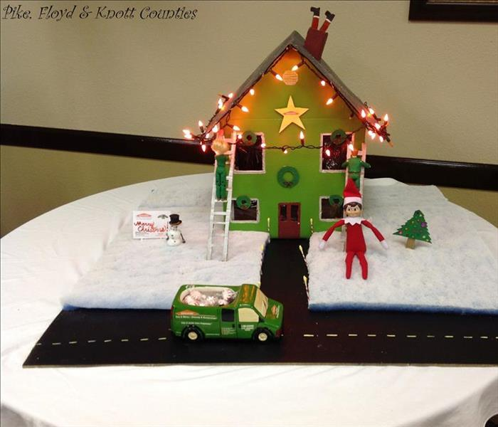 2015 SERVPRO Table Decoration Contest for Holiday Party
